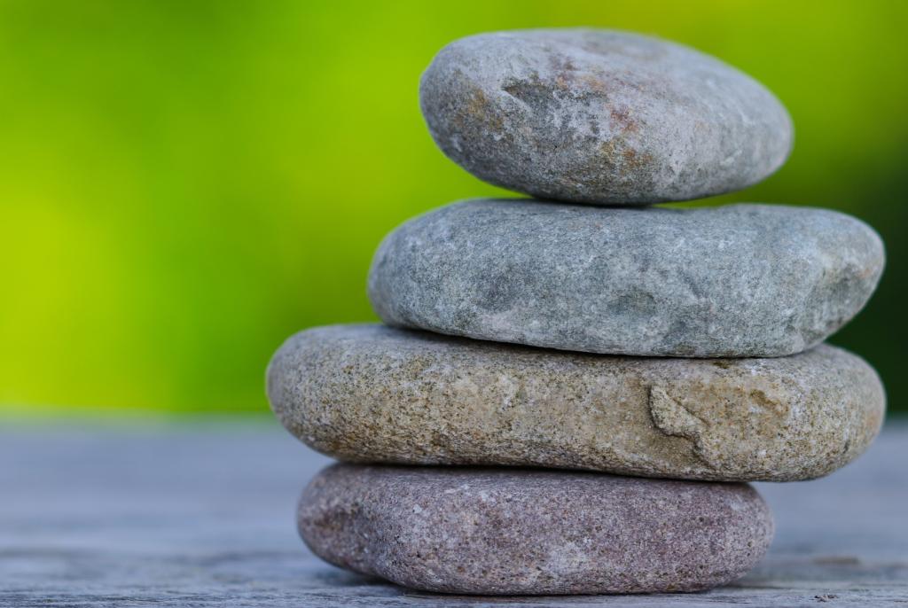 stones-810548_1920 pixabay